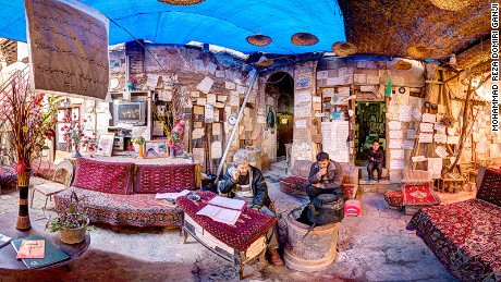 160210133559-house-of-poems-shiraz-large-169.jpg.jpg
