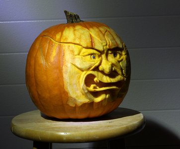 sculpted_pumpkin_2.jpg