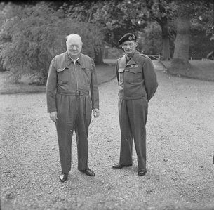 Siren_Suit_Winston_Churchill.jpg