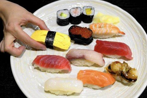 la-dd-sushi-sins-20160319.jpg