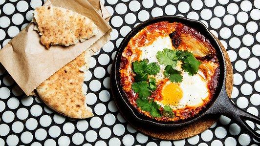 Featured-Article-Shakshuka-Eggs-Breakfast-Irsraeli-Food-Brunch-Mimis-Egg-Recipes.jpg.jpg
