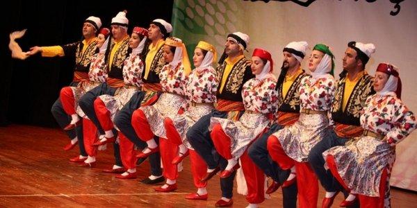 malatya-da-bir-okulun-mudur-yardimcisi-halk-oyunu-degil-zina-yapiyorlar-1460383014.jpg.jpg
