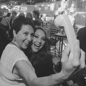 os-selfie.jpg