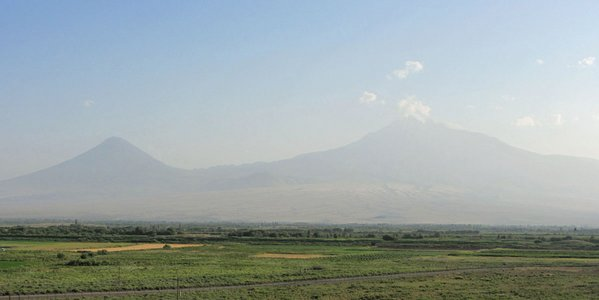 Ararat-Zuki3.jpg