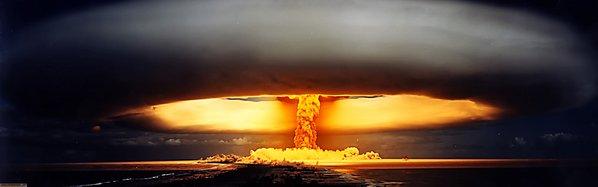 Nuclear-Weapon-nuclear-arma-nucleare-fungo-atomico.jpg.jpg