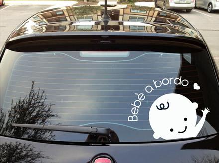 adesivo-bebe-a-bordo-automobile.png